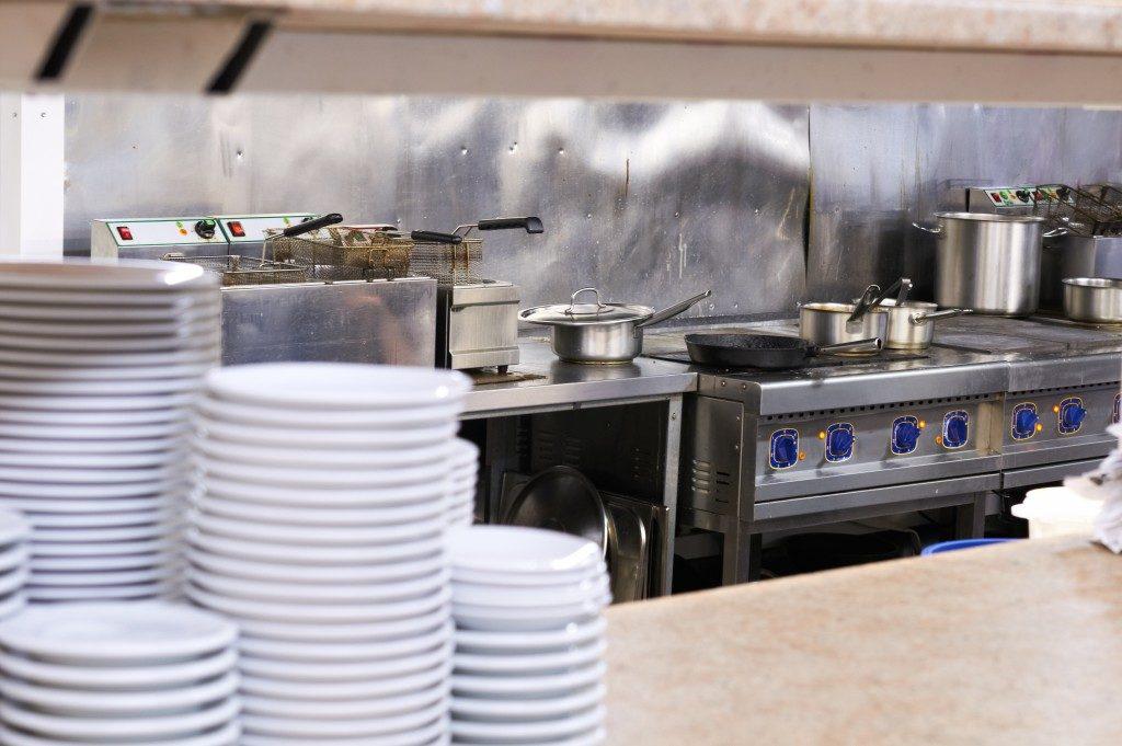 white plates inside the kitchen