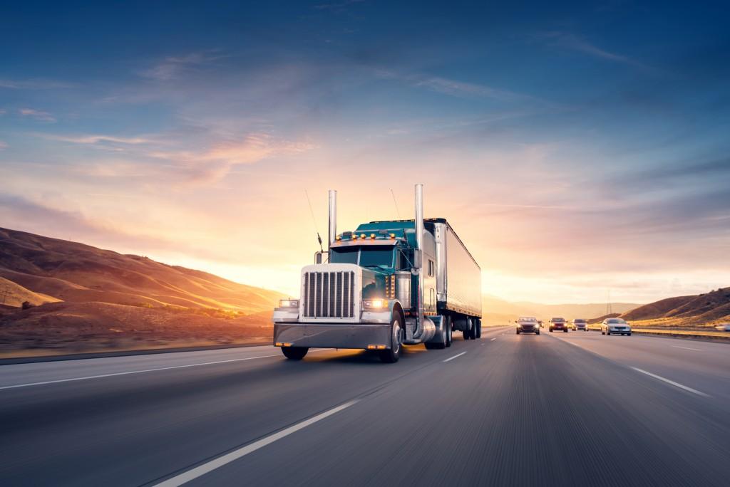 truck speeding in the freeway