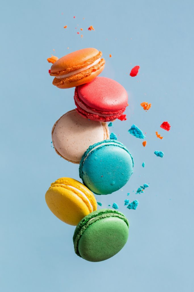 macarons in diffrent colors