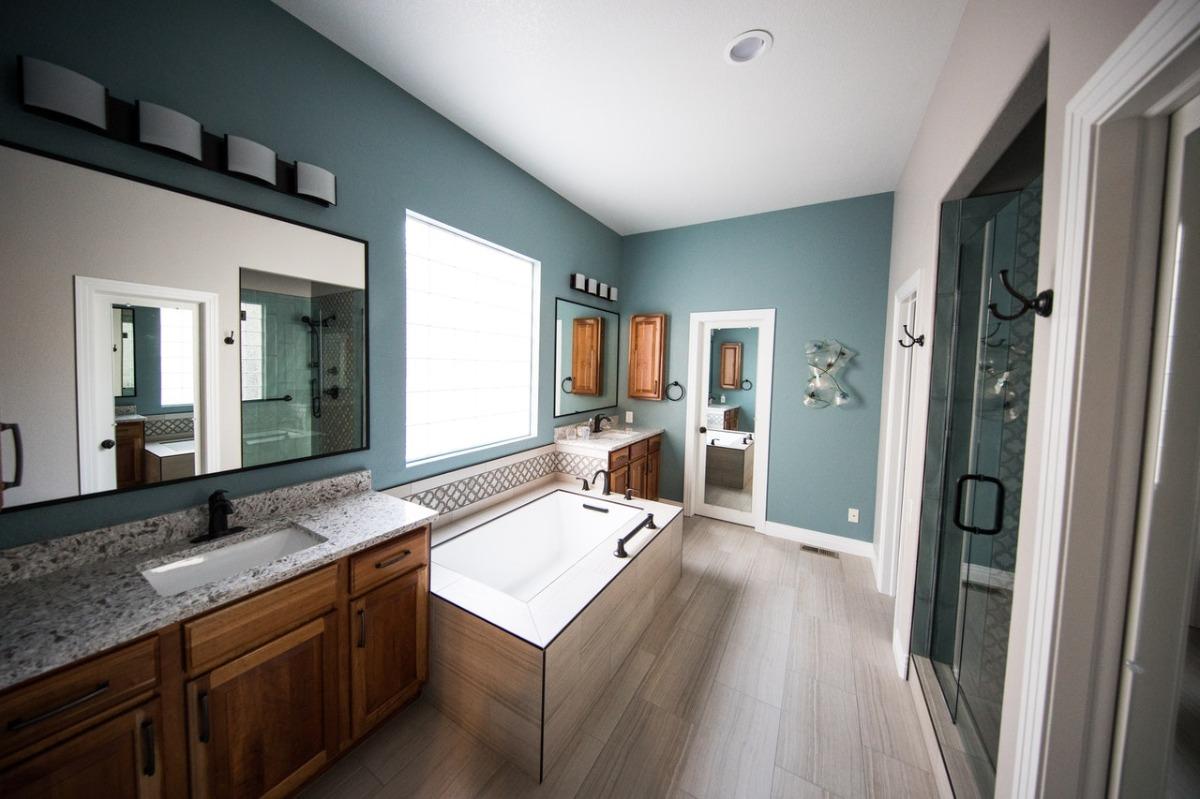 tidy bathroom